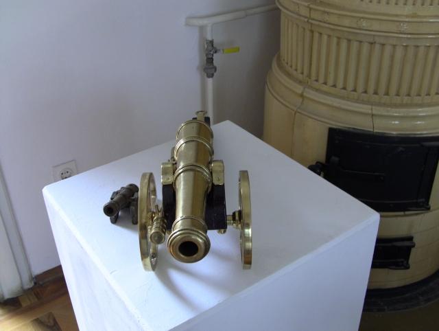 tiny cannon