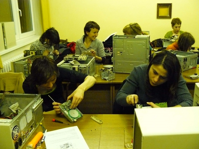 hardware workshop: only for women!